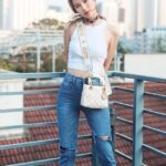 mix-quan-jeans-voi-tui-xach-4